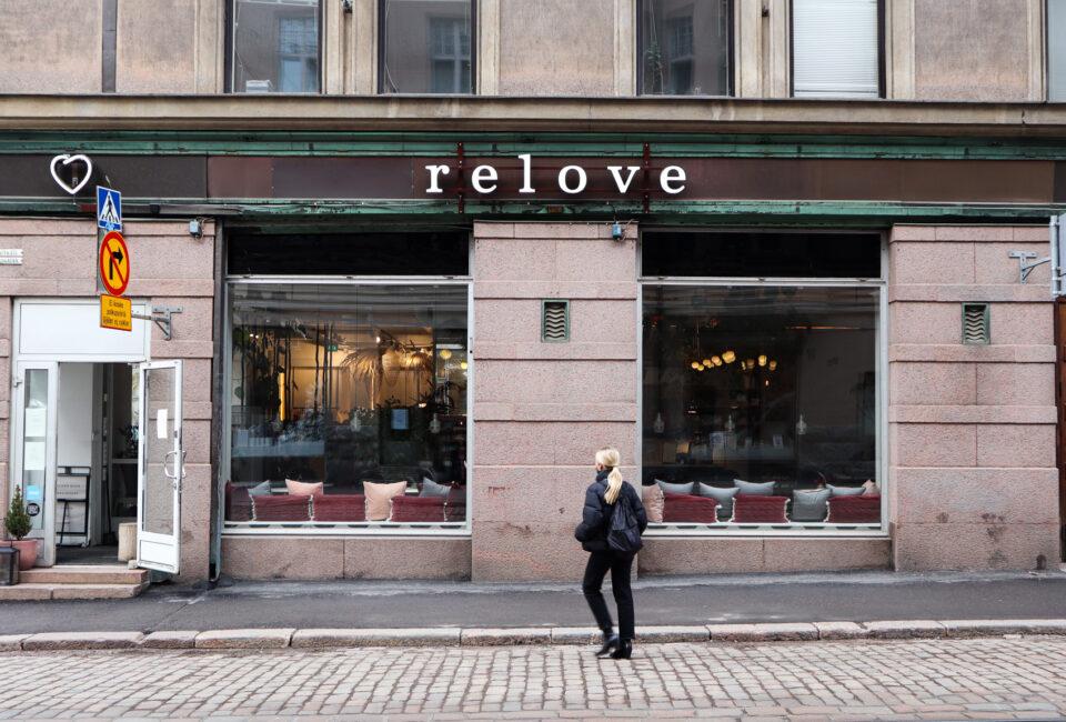 Relove på hörnet av Fredriksgatan och Stora Robertsgatan i Helsingfors