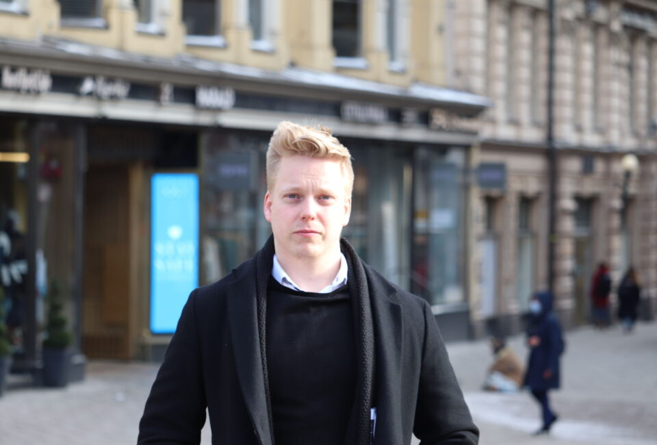 Kasper Kannosto studerar samhällsvetenskap vid Åbo Akademi.